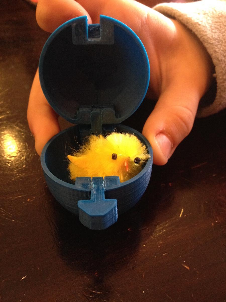 Œuf imprimé pour Pâques. A que coucou !
